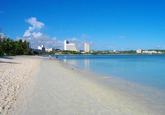 グアムのきれいなビーチ